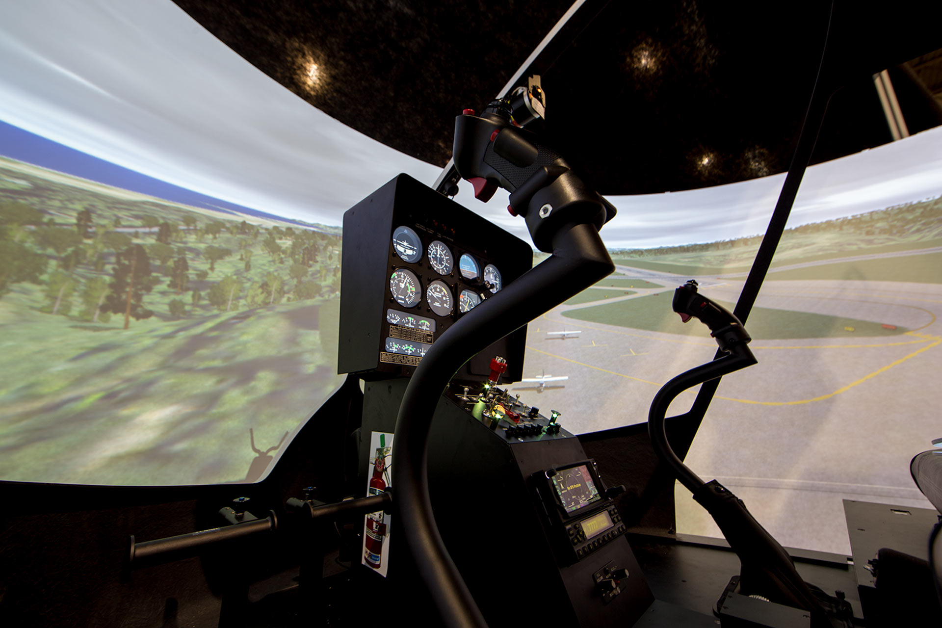 The Benefits Of Using A Helicopter Flight Simulator When