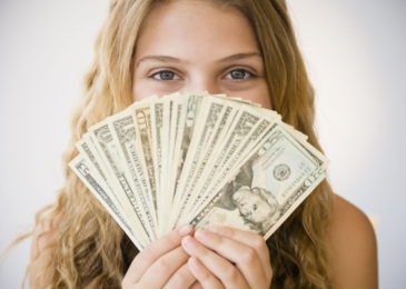 Methods to Preserve Cash When Your Company Is in Trouble